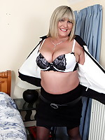 Big breasted British mature lady getting naughty